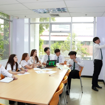 บริการห้องศึกษาเดี่ยวกลุ่ม
